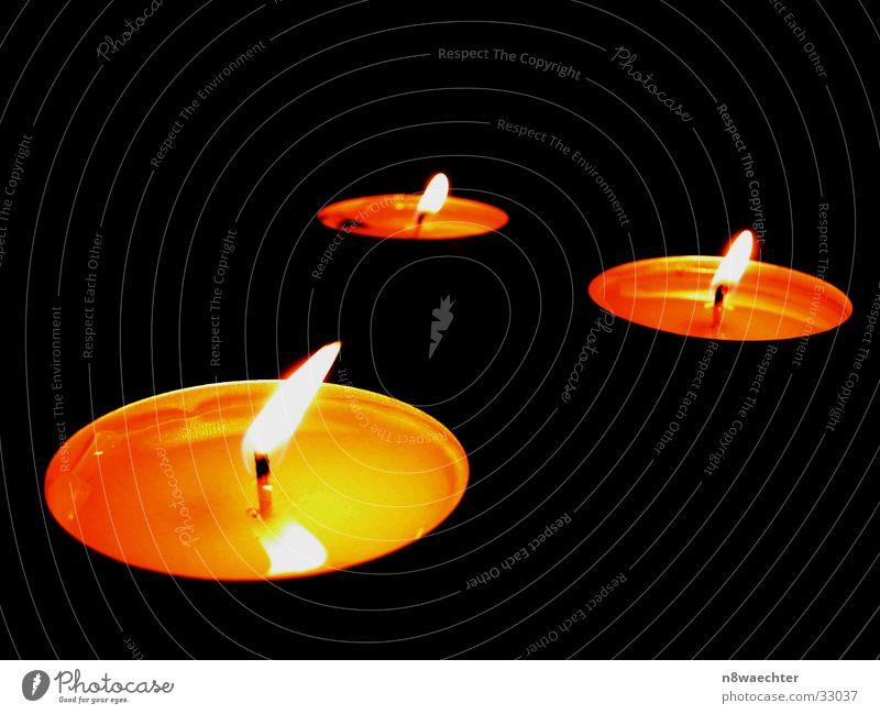 Candle in the Wind I rot orange Kerze Dinge Flüssigkeit brennen Flamme Wachs Kerzendocht Teelicht