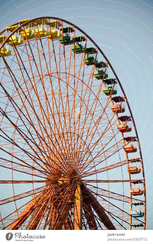 Riesenrad Stil Vergnügungspark lost places DDR Wolkenloser Himmel Treptow authentisch groß hoch retro viele Wärme standhaft Design Nostalgie stagnierend