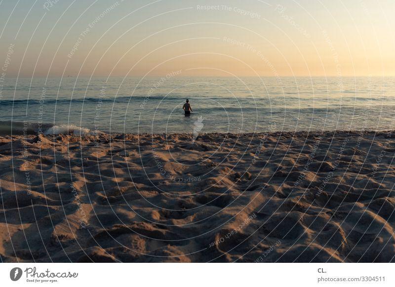am strand Kind Mensch Ferien & Urlaub & Reisen Jugendliche Sommer Wasser Meer Erholung ruhig Ferne Strand Leben Junge Freiheit Schwimmen & Baden Sand