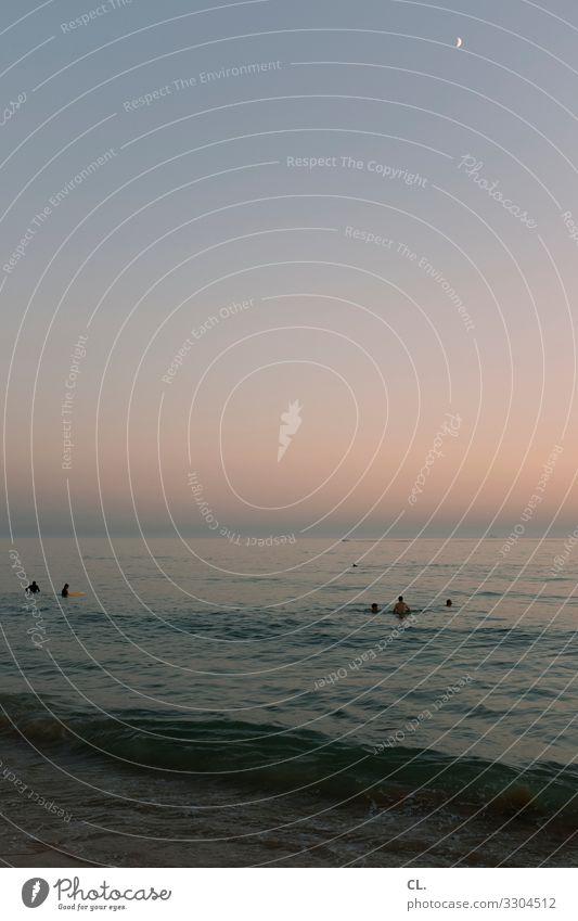 abend am meer Schwimmen & Baden Mensch Menschengruppe Umwelt Natur Urelemente Wasser Himmel Wolkenloser Himmel Mond Sommer Schönes Wetter Wellen Küste Meer