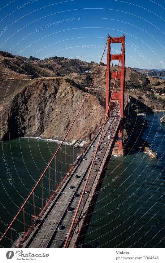 Golden Gate Brücke Wahrzeichen Verkehr rot Farbe Golden Gate Bridge San Francisco Kalifornien USA Hängebrücke Luftaufnahme