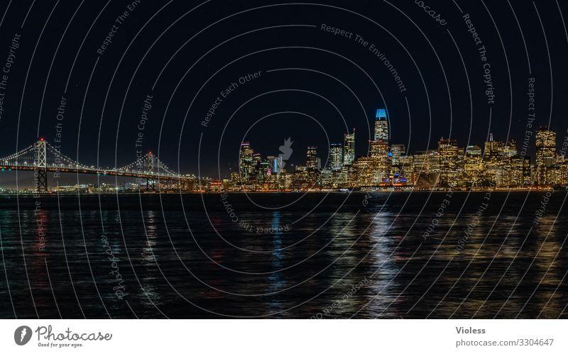 San Francisco Skyline Hochhaus Brücke Architektur Sehenswürdigkeit entdecken Ferien & Urlaub & Reisen dunkel Lichterscheinung Nachtaufnahme Beleuchtung