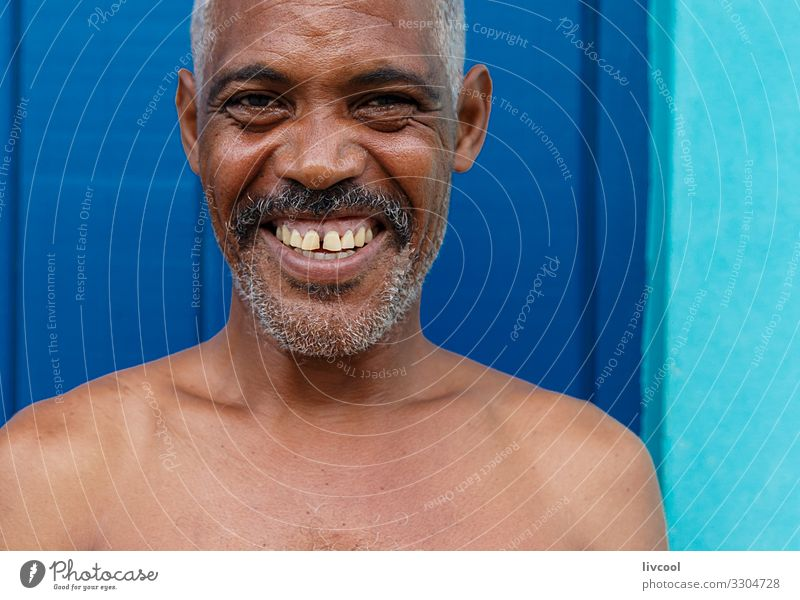 Mensch Mann nackt blau Stadt schön grün Erotik Gesundheit Gesicht Auge Lifestyle Erwachsene Leben Senior natürlich