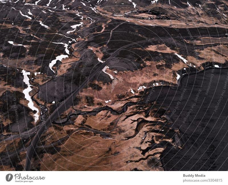 Drohnenaufnahme der Priele in den Atlantik, Island Natur Wasser weiß Landschaft Meer Winter Strand schwarz Straße gelb Frühling Schnee Küste Gras orange braun