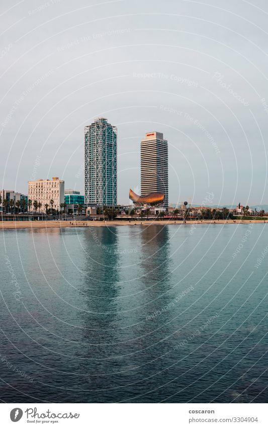 Barcelona-Türme vom Meer aus gesehen Ferien & Urlaub & Reisen Tourismus Sommer Strand Natur Landschaft Himmel Horizont Küste Skyline Hochhaus Hafen Gebäude