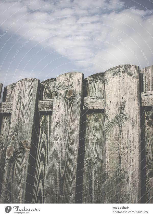 Holzzaun Zaun Grenze Freiheit Menschenleer Schutz gefangen Sicherheit Barriere Farbfoto Sehnsucht