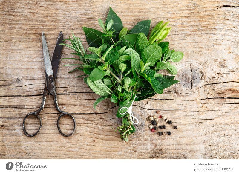 Kräuterbund schön Holz Metall Lebensmittel frisch Ernährung einfach genießen Kräuter & Gewürze Appetit & Hunger lecker Duft Bioprodukte Vegetarische Ernährung Schere rustikal
