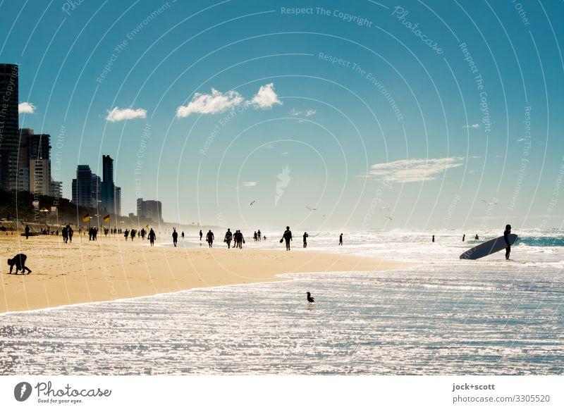 Surfers Paradise Himmel Meer Erholung Wolken Freude Ferne Strand Wärme hell Schönes Wetter Menschenmenge Pazifik Pazifikstrand