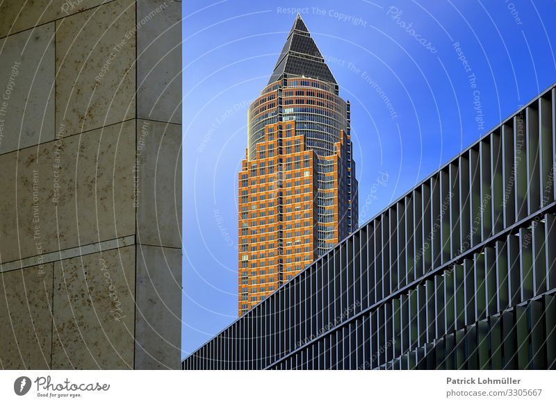 Linien Architektur Umwelt Himmel Schönes Wetter Frankfurt am Main Deutschland Europa Stadtzentrum Skyline Menschenleer Haus Hochhaus Bankgebäude Bauwerk Gebäude