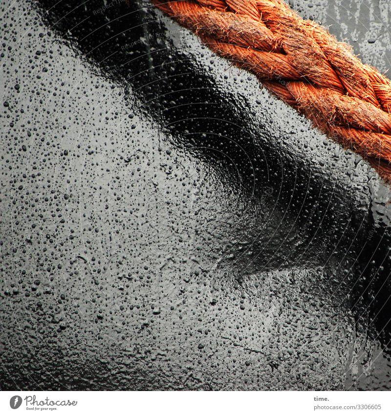 Seilschaften #16 Regen Schifffahrt Passagierschiff Wasserfahrzeug Hafen Bordwand Metall Kunststoff Linie dunkel maritim nass trashig grau orange schwarz