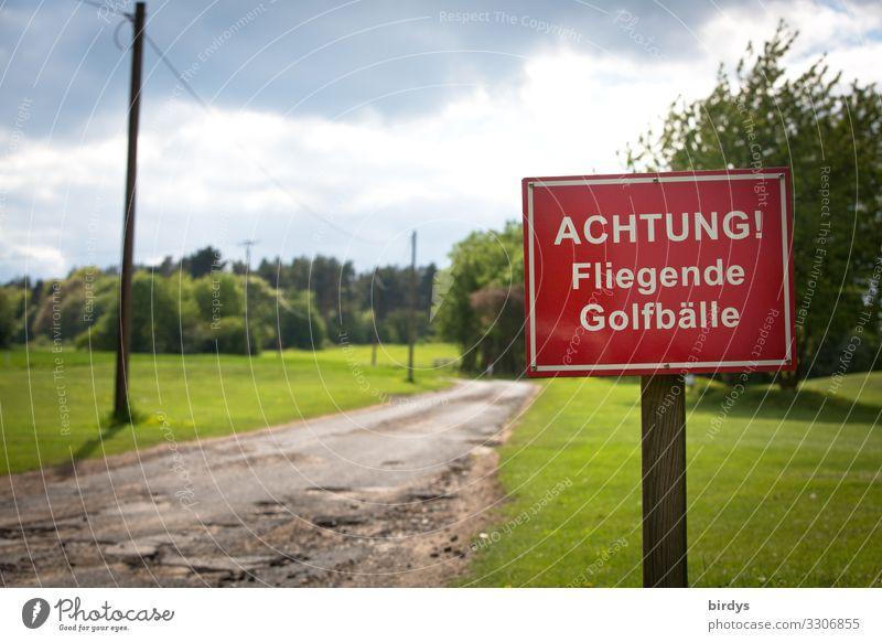 Truppenübungsplatz Freizeit & Hobby Golfplatz Himmel Wolken Wiese Straße Wege & Pfade Schriftzeichen Hinweisschild Warnschild Spielen authentisch