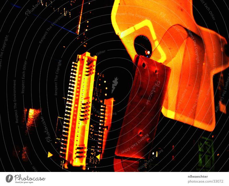 Inspiron 8200 II Motherboard Platine Beschriftung gelb rot Elektrisches Gerät Technik & Technologie Steckkontakt Kontrast Kontakt