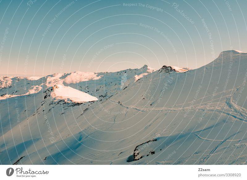 Hochfügen | Zillertal Natur Landschaft Wolkenloser Himmel Sonne Winter Schönes Wetter Schnee Alpen Berge u. Gebirge Schneebedeckte Gipfel gigantisch kalt
