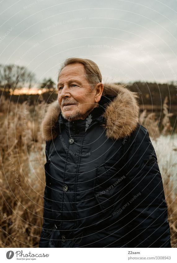 Roland Lifestyle maskulin Männlicher Senior Mann 60 und älter Natur Landschaft Sonnenaufgang Sonnenuntergang Herbst Schönes Wetter Mode Jacke blond Bart