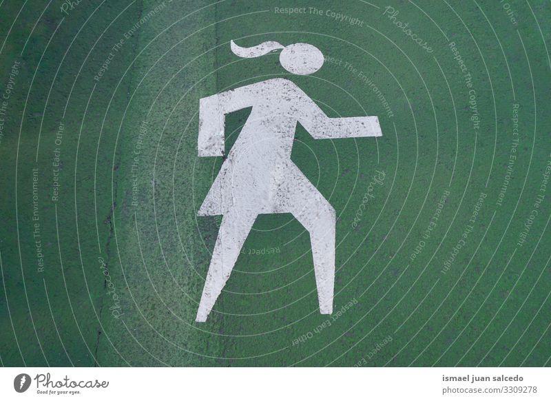 Fußgängersignal auf der Straße in der Stadt Bilbao Spanien Gehhilfe Ampel signalisieren Ermahnung Verkehr Großstadt Verkehrsschild Zeichen Symbol Weg Vorsicht