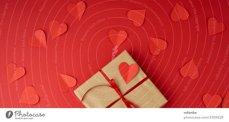 quadratische Schachtel in braunes Kraftpapier gewickelt kaufen Design Dekoration & Verzierung Tisch Feste & Feiern Valentinstag Hochzeit Geburtstag Handwerk