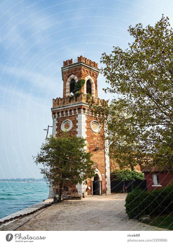 Historischer Turm in der Altstadt von Venedig in Italien Erholung Ferien & Urlaub & Reisen Tourismus Wasser Wolken Stadt Gebäude Architektur Fassade