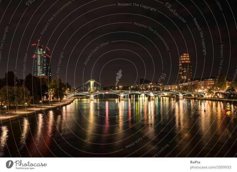 Nacht auf dem Main in Frankfurt. Lifestyle Design Wellness Erholung ruhig Meditation Ferien & Urlaub & Reisen Tourismus Sightseeing Städtereise Nachtleben