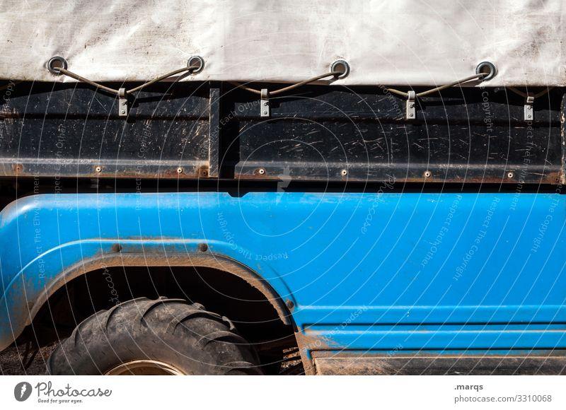 Offroad Ladefläche Pickup dreckig Mobilität Fahrzeug Plane transport Öse blau schwarz grau Abenteuer jeep Reifen Seitenansicht
