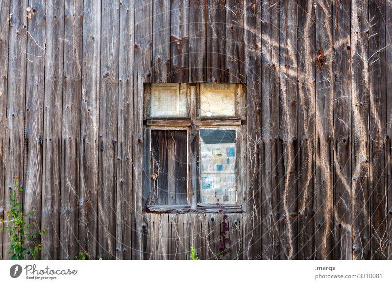 Alter Schuppen Holzwand alt verwittert Vergänglichkeit braun Fenster Verschlag Verfall Strukturen & Formen kaputt