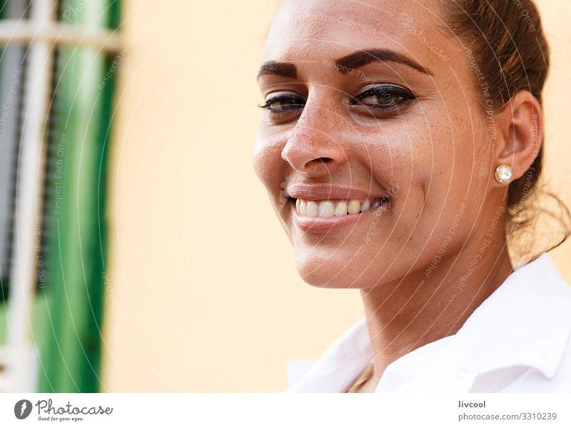 Schönheitsfrau , trinidad Lifestyle Glück Leben Insel Mensch feminin Junge Frau Jugendliche Erwachsene Kopf Haare & Frisuren Gesicht Auge Ohr Nase Mund Lippen