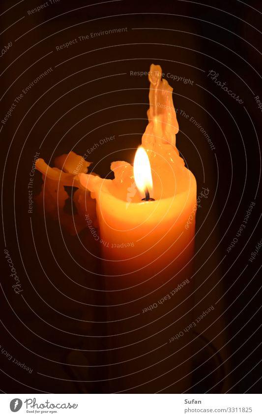 Festbeleuchtung harmonisch Erholung ruhig Meditation Wohnzimmer Feste & Feiern Kerze Feierabend Tropfen Wachs Flamme heiß braun gelb orange schwarz weiß Gefühle