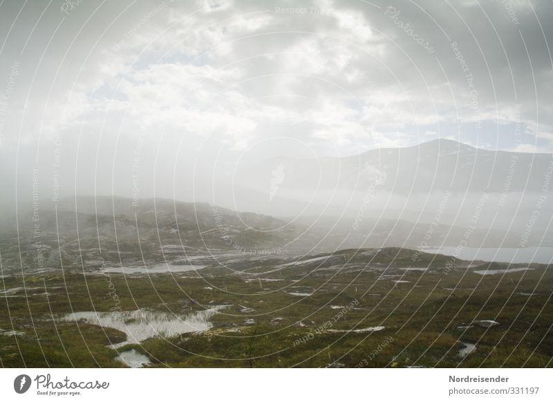 Wetterlage Sinnesorgane Berge u. Gebirge wandern Landschaft Urelemente Wolken Gewitterwolken Klima schlechtes Wetter Unwetter Nebel Regen See warten nass trist