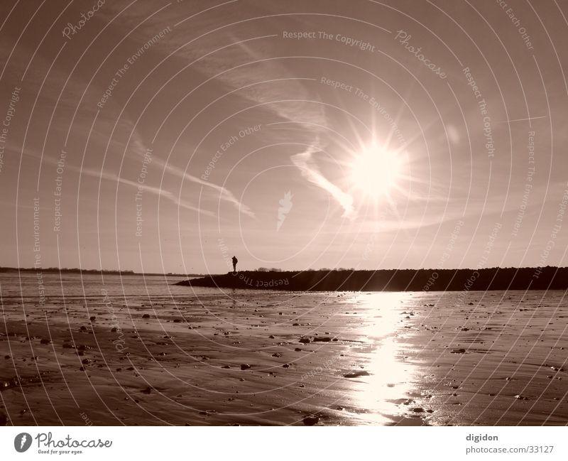 einsamer seemann Mann Wasser Sonne Strand Sepia Seemann
