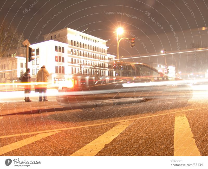 Bewegung Lichtspiel Langzeitbelichtung Haus Hamburg Abend