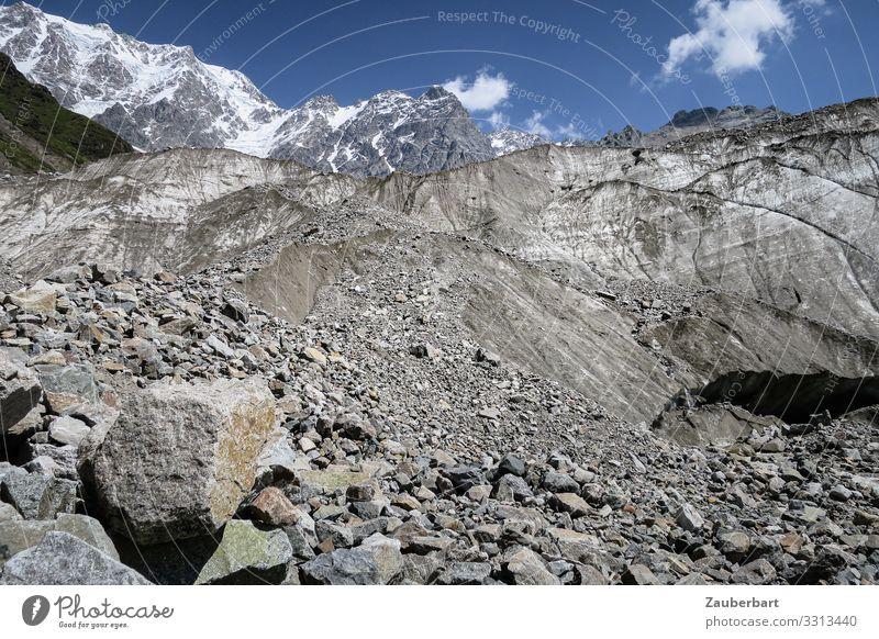 Geröllfeld vor Gletscher in Swanetien Natur Sommer blau Landschaft Erholung Berge u. Gebirge Umwelt natürlich Freiheit grau Felsen wandern authentisch Ewigkeit