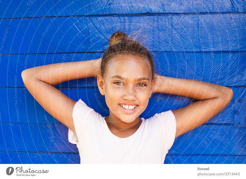 schönheitsmädchen , baracoa - kuba Lifestyle Stil Glück Leben Spielen Ferien & Urlaub & Reisen Ausflug Insel Kind Mensch feminin Junge Frau Jugendliche Kindheit