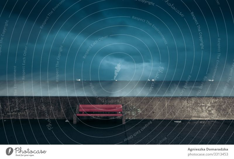 Wellenreiter Waves Kraft Force Wasser Wellenbrecher Night Eventing Abend Nacht Sturm Storm Clouds Dark Beach Seaside Baltic Baltic Sea Baltikum Ostsee Ocean
