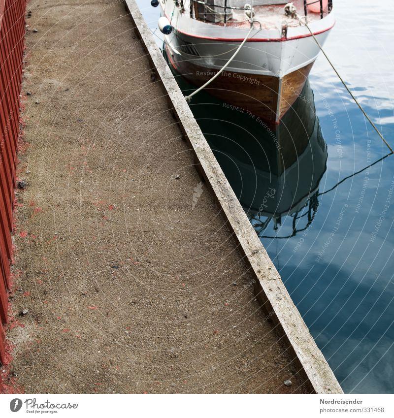Halbe Sachen | Angeleint Ferien & Urlaub & Reisen Sightseeing Sommer Meer Wasser Schifffahrt Jacht Motorboot Wasserfahrzeug Seil Beton warten Fernweh Beginn