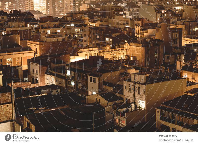 Stadtgebäude Dächer bei Nacht Hauptstadt Hafenstadt Bauwerk Gebäude Architektur Mauer Wand Fassade Balkon Terrasse Fenster Dach Dachrinne Antenne