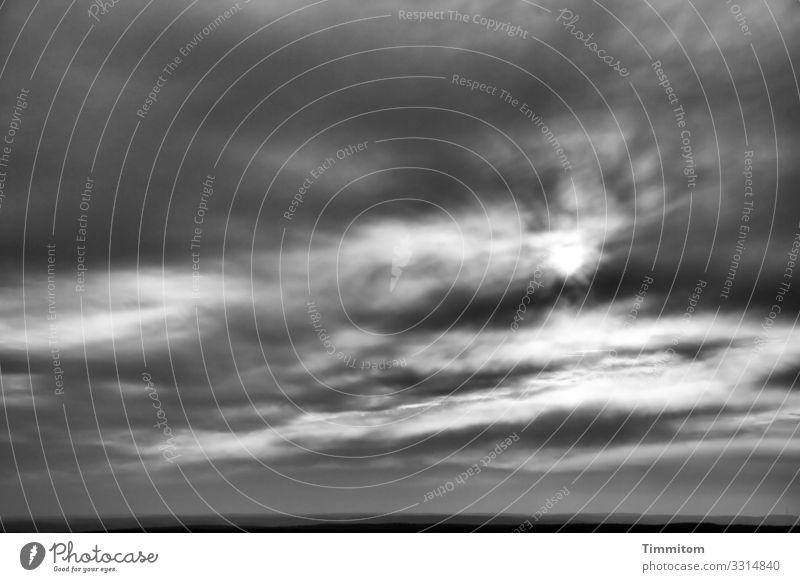 Blick ins fränkische Land Himmel Ferien & Urlaub & Reisen Natur weiß Landschaft Sonne Wolken schwarz Umwelt natürlich Gefühle grau Zufriedenheit ästhetisch