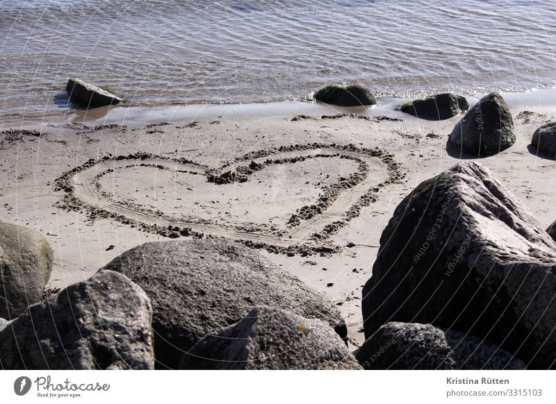 sandherz Landschaft Meer Strand Liebe Küste Sand Geburtstag Herz Romantik Zeichen Hochzeit Symbole & Metaphern Ostsee Verliebtheit Valentinstag Sandstrand