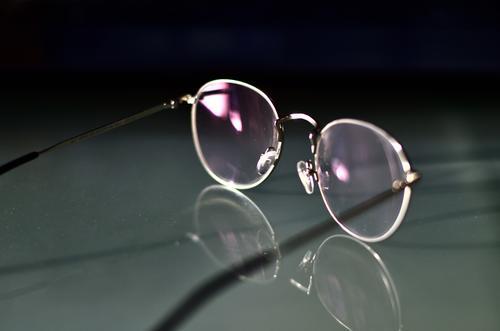 Photocase: Good for your eyes... Hardware Linse Mode Accessoire Brille Glas Metall ästhetisch dünn einfach elegant grau rosa schwarz silber Design Genauigkeit