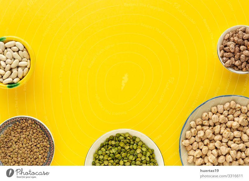 Hülsenfrüchte, Linsen, Kichererbsen, Bohnen, grüne Linsen Gemüse Ernährung Vegetarische Ernährung Diät Schalen & Schüsseln Löffel Gesunde Ernährung natürlich