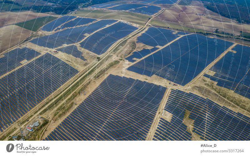 Photovoltaikpark in Guillena, Spanien Technik & Technologie High-Tech Energiewirtschaft Erneuerbare Energie Sonnenenergie Industrie Umwelt gigantisch blau Kraft