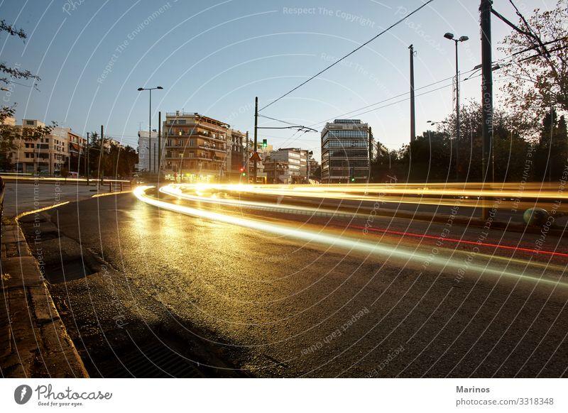 Ηunser von Spitzenverkehr in Athen. Auto Bewegung. Ferien & Urlaub & Reisen Stadt Verkehr Straße PKW modern Geschwindigkeit Farbe Großstadt bewegend