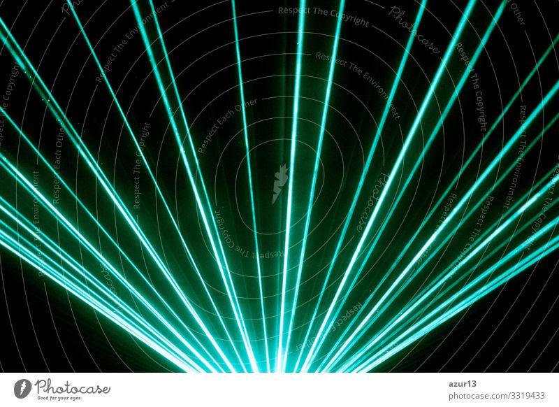 Türkisfarbene Lasershow-Nachtlebensclubbühne mit funkelnden Strahlen zeigen Club Silvester Reichtum Party Veranstaltung Nachtclub Konzert Entertainment
