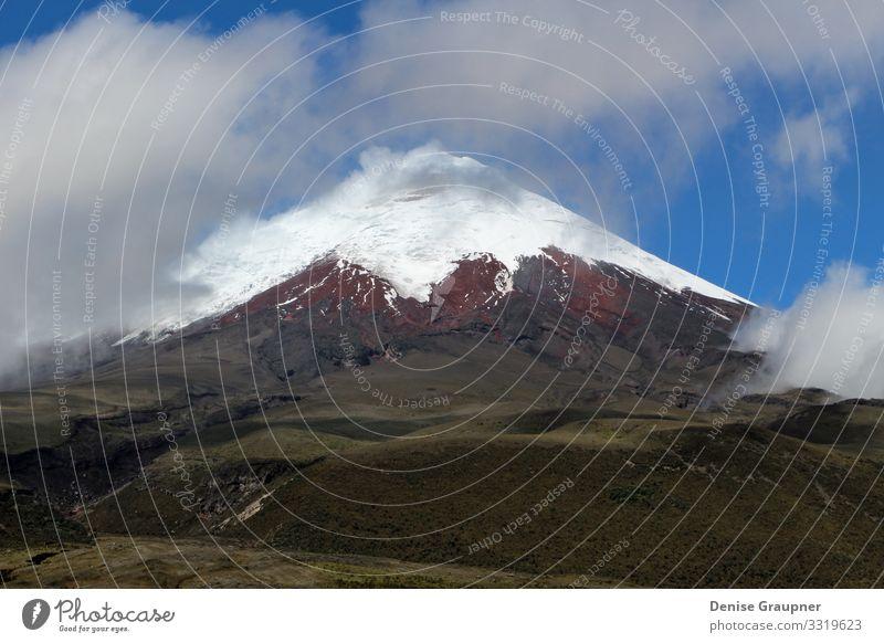 Cotopaxi Volcano in Ecuador clouds Ferien & Urlaub & Reisen Mensch Umwelt Natur Landschaft Sand Wolken Klima Klimawandel Wetter Schönes Wetter