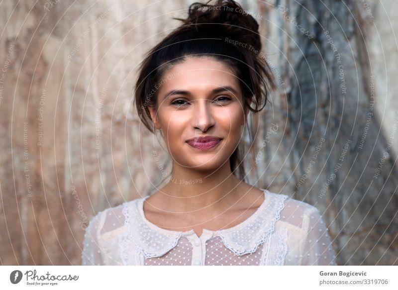 Porträt der Frau elegant Stil schön Haut Gesicht Schminke Mensch Junge Frau Jugendliche Erwachsene Lippen 1 18-30 Jahre Mode frisch hell modern natürlich