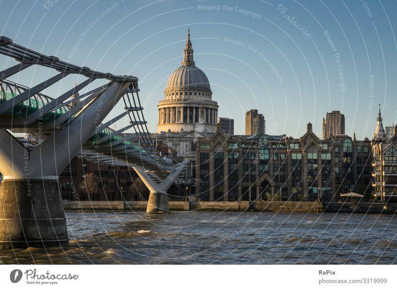Abend an der Themse. Lifestyle Stil Design Wellness Ferien & Urlaub & Reisen Tourismus Sightseeing Städtereise Häusliches Leben Büroarbeit Wirtschaft Handel