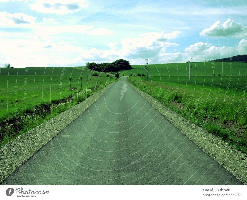 long distance Gras Symmetrie Luft Wolken Unendlichkeit Schraße Ziel