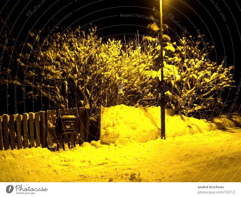 post Winter Schnee Zaun Briefkasten