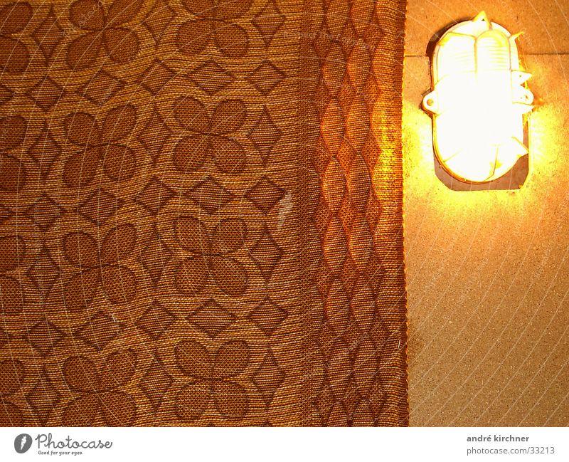 im keller Lampe Wand Häusliches Leben Geometrie Teppich
