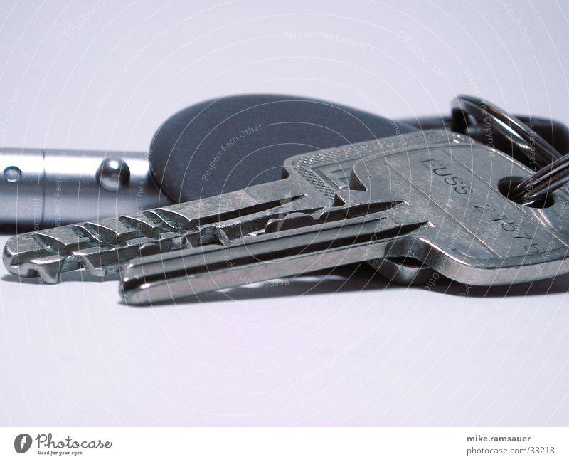 Schlüsselbund Tisch nah Häusliches Leben Schlüssel Furche Bündel