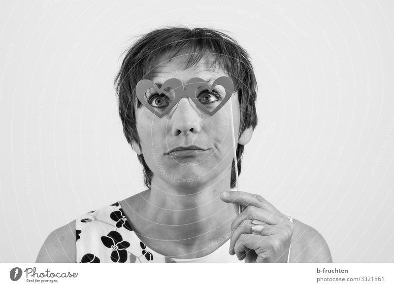Liebesaugen Lifestyle Stil Freude schön Gesicht Freizeit & Hobby Spielen Frau Erwachsene Finger 1 Mensch 30-45 Jahre Theaterschauspiel beobachten berühren