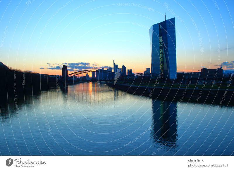 EZB Frankfurt am Main Lifestyle Umwelt Natur Landschaft Küste Flussufer Stadt Skyline Haus Hochhaus Bankgebäude Brücke Schifffahrt Binnenschifffahrt blau